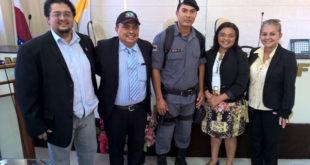 soldado E. Silva com os vereadores Neto Andrade, Foca e vereadoras Érica e Ivone