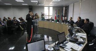 O processo foi retirado de pauta pelo presidente do Tribunal Regional Eleitoral (TRE-AM), Yedo Simões, após empate na corte – foto: Márcio Melo